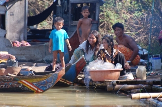Family life on the waters of Tonle Sap