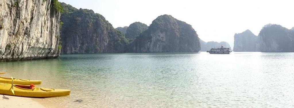 Kayaking Ha Long and Lan Ha